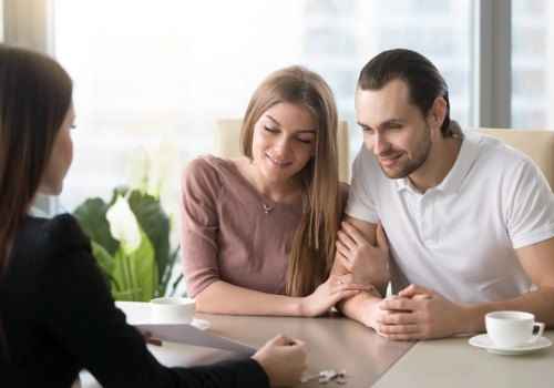 couple in consultation with the expert